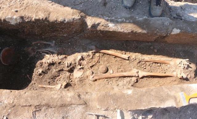 Adıyaman'da bin yıllık erkek iskeleti bulundu