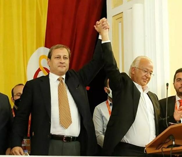 Galatasaray'ın yeni başkanı Burak Elmas mazbatasını aldı