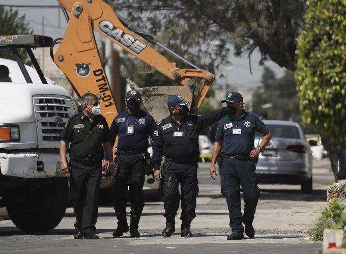 Seri katilin evinde yapılan kazılarda 17 kişinin kemiği bulundu