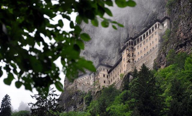Sümela Manastırı'nda saklı mekanlar, gün yüzüne çıkarıldı