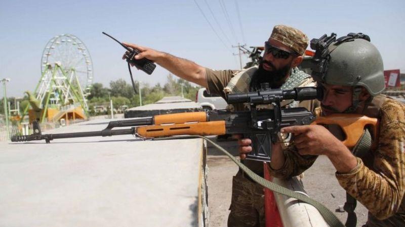 Taliban, Afganistan'daki üç büyük kentin etrafını kuşattı