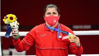 Busenaz Sürmeneli boksta şampiyon oldu, Türkiye 2. altın madalyayı kazandı