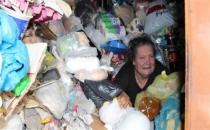 Çöp biriktirme hastalığı: Dispozofobi!