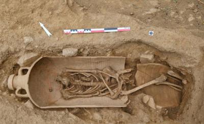 Fransa'da arkeologlar binlerce yıl öncesine ait 40 tabut keşfetti