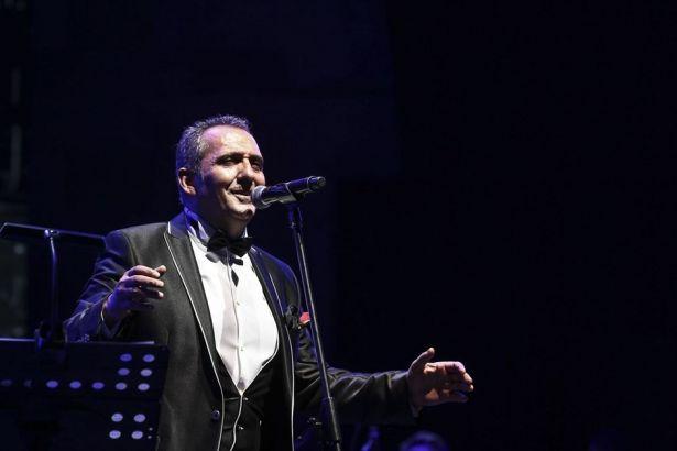 Halkbank'ın Yavuz Bingöl konseri için bedava bilet dağıttığı iddia edildi