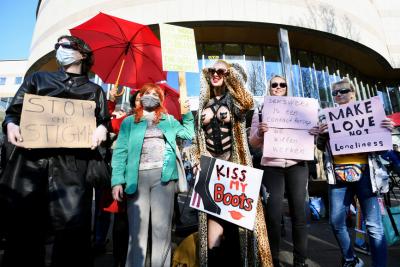 Hollanda'da seks işçilerinden Covid-19 protestosu