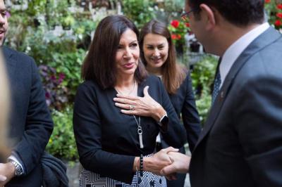 İmamoğlu'ndan cumhurbaşkanlığı adaylığını açıklayan Paris Belediye Başkanı'na: Başarılar dilerim