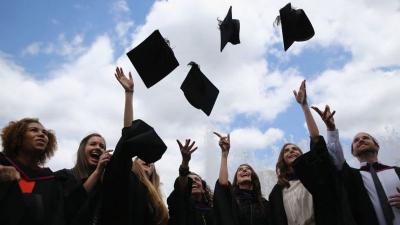 İngiltere'de mezun olan yabancı öğrenciler 2 yıl daha kalabilecek