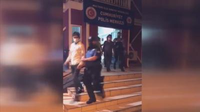 İstanbul'da 415 yasadışı göçmen muhafaza altına alındı