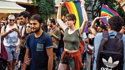 İstanbul'da Onur Yürüyüşü'ne izin verilmedi!