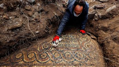 İzmir'de 1500 yıllık mozaik bulundu