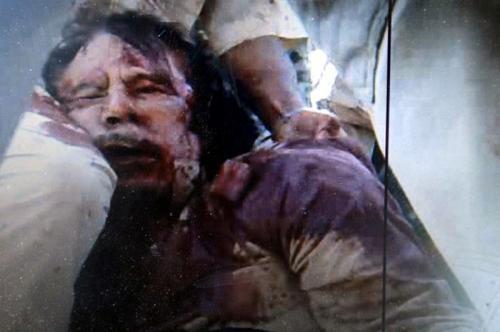 Kaddafi ölmedi hâlâ yaşıyor! Şok iddia...