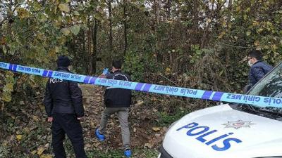 Kayıp yaşlı adam evinden 200 metre uzaklıkta ağaca asılı halde bulundu