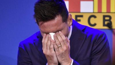 Messi'nin gözyaşlarını sildiği peçete 10 bin dolardan satışa sunuldu