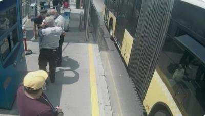 Metrobüste maske uyarısıyla başlayan kavgada gözünden oldu