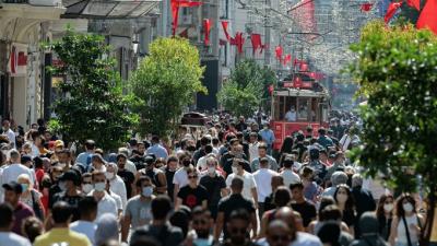 MetroPOLL: AK Partililerin yüzde 46.7'si 'Artan sığınmacı sayısının nedeni yanlış dış politika' dedi