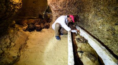 Mısır'da arkeologlar tarafından mumyalı 30 tabut bulundu