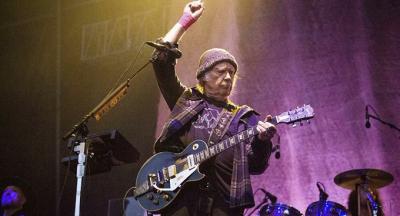 Neil Young, şarkılarını izinsiz kullandığı gerekçesiyle Trump'a dava açtı
