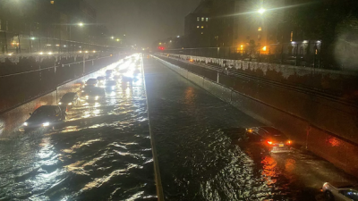 New York'ta sel: 'Dışarıya çıkmayın' uyarısı