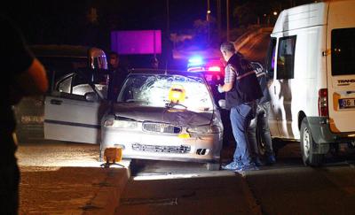 Otomobilden zorla indirilen kadın, bir başka otomobilin çarpmasıyla öldü
