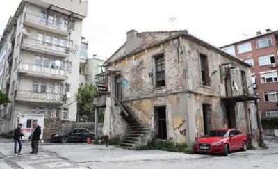 Şair Cenap Şahabettin'in evi otopark oldu