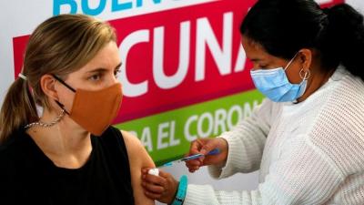 'Salgını durdurmanın sırrı aşıyı zorunlu hale getirmek'