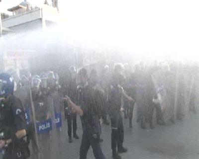 Taksim'de sert polis müdahalesi!
