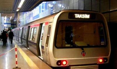 Taksim'de intihar girişimi nedeniyle tahliye edilen yolcular
