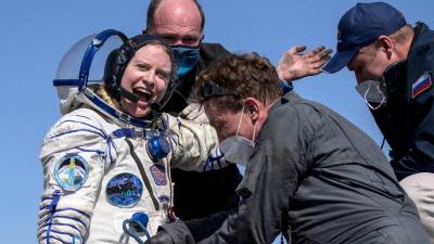Üç astronot güvenli bir biçimde dünyaya döndü