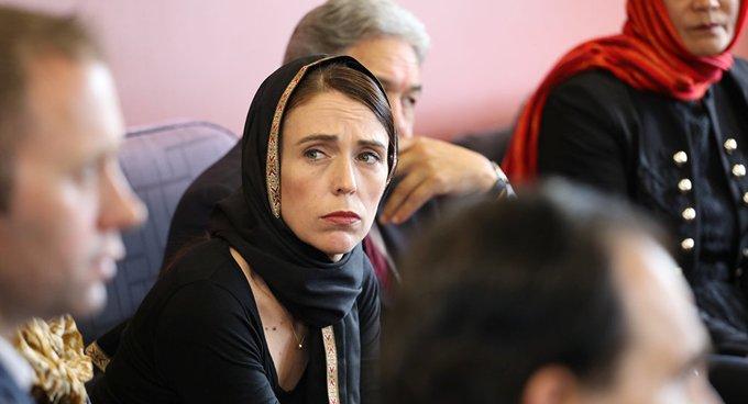 Yeni Zelanda, göçmenlere düzenlenen 'şafak baskınları' nedeniyle özür diledi
